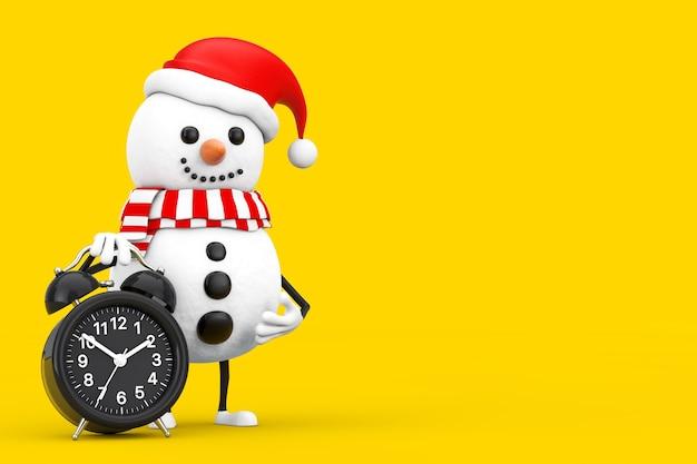 Sneeuwpop in santa claus hat character mascot met wekker op een witte achtergrond. 3d-rendering