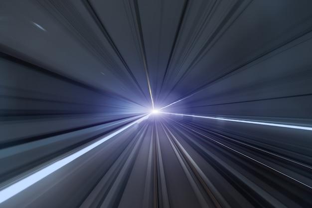 Snelheid wazig beweging van de trein of metro verplaatsen in de tunnel.