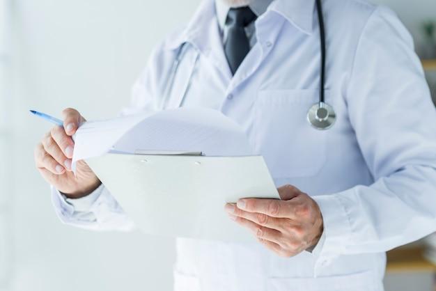 Snijd de dokterslezingen bij
