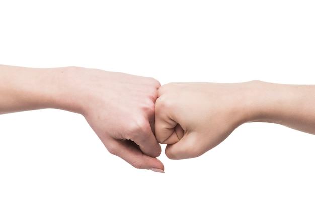 Snijd met de hand gebalde vuisten