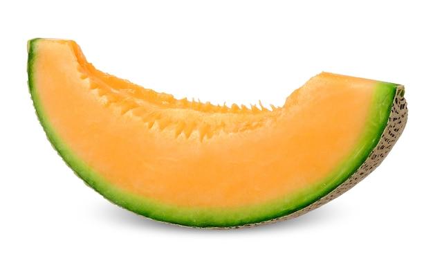 Snijd oranje kleur meloen geïsoleerd op wit