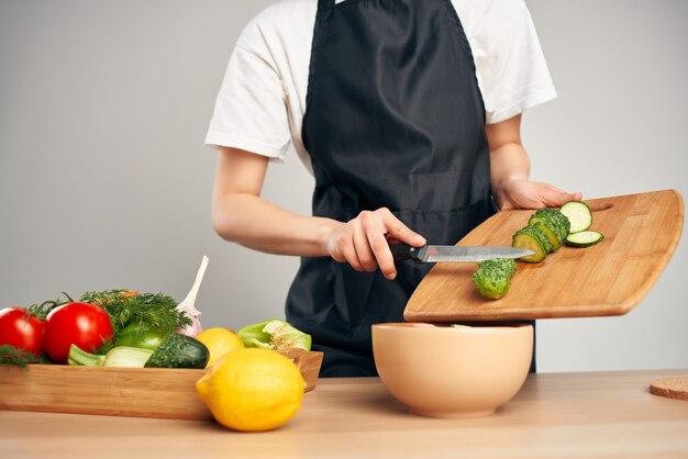 Snijden groenten salade vitaminen gezonde voeding