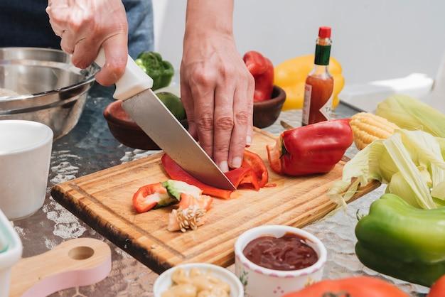 Snijdende paprika's