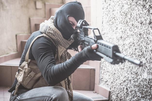 Sniper soldaat schieten