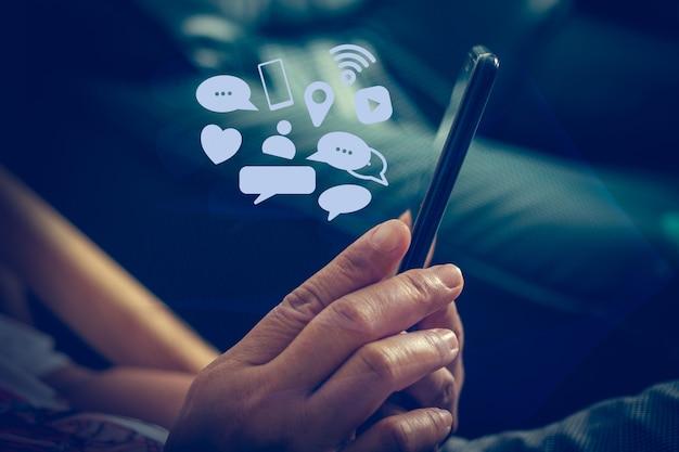 Social media communiceer overal en altijd, social media concepten.