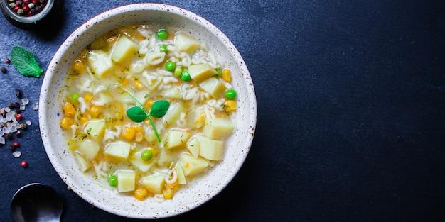 Soep groenten pasta