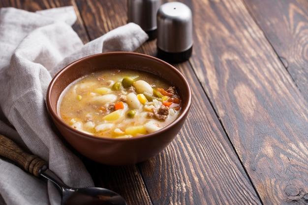 Soep met groente en gehakt