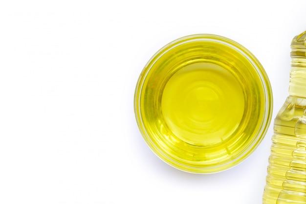 Soja-olie in een glazen kom