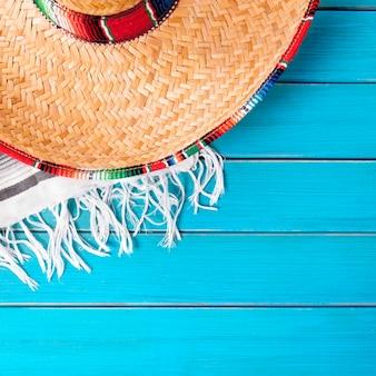 Sombrero cinco de mayo houten achtergrond van mexico