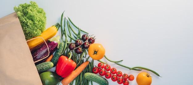 Sommige groenten aan huis geleverd in paperbag