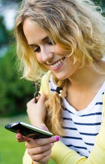 Sonrisa joven belleza chicas comunicacion