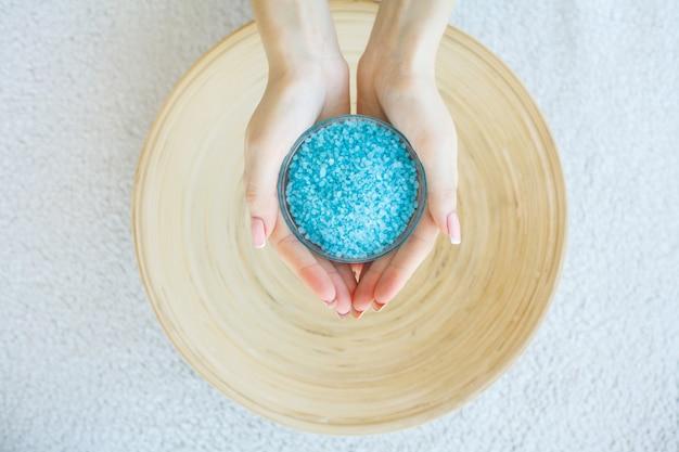 Spa-behandeling en product voor vrouwelijke voeten en hand spa relax en gezonde verzorging