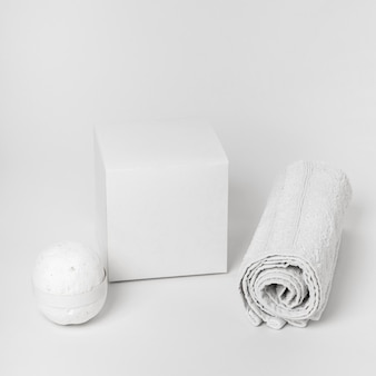 Spa elementen regeling op witte achtergrond