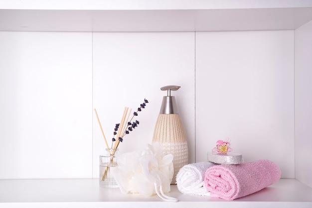 Spa- en wellness-instelling met handdoeken. dayspa natuurproducten