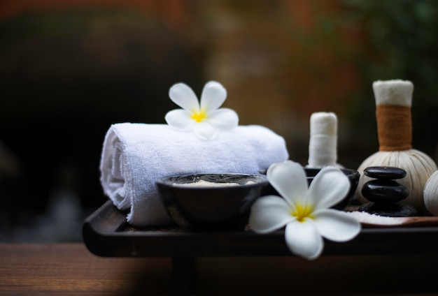 Spa-massage comprimeer ballen, kruidenbal en behandelingsspa