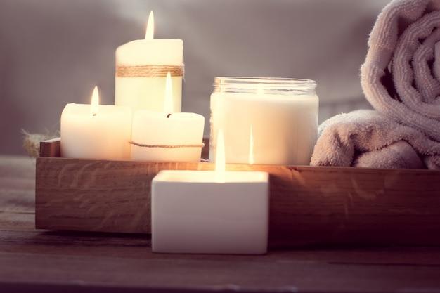 Spa met kaarsen