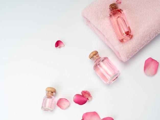 Spa producten van etherische olie van rozen