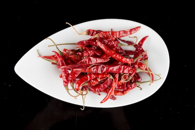 Spaanse peper in een kom