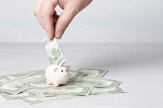 Spaarpot vol met dollars