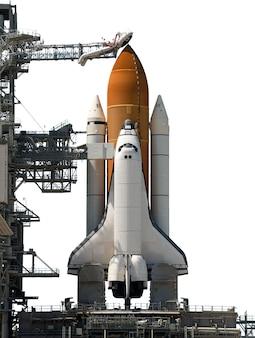 Space shuttle geïsoleerd op een witte achtergrond