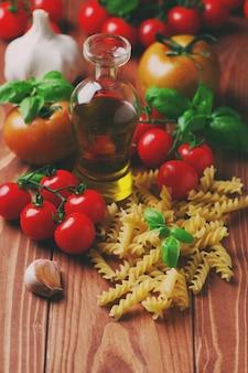 Spaghetti en tomaten met kruiden