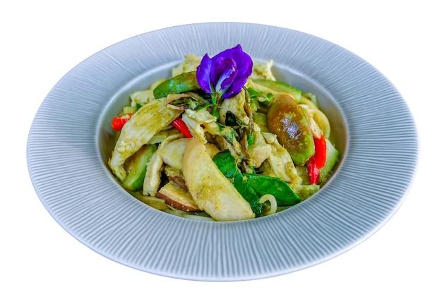 Spaghetti kip met groene kerriesaus, thais eten