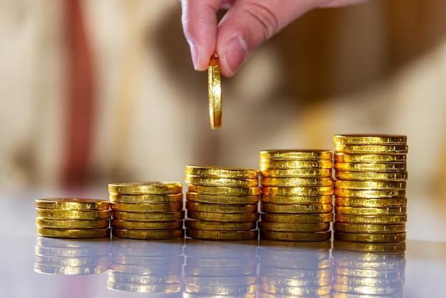 Sparen geld en rekeningbankwezen voor financiën bedrijfsconcept