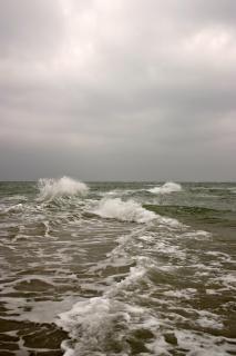 Spatten op zee
