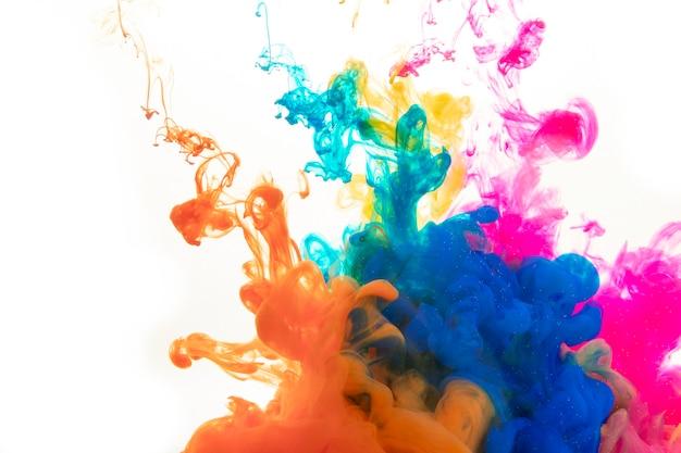Spatten van heldere kleurstoffen