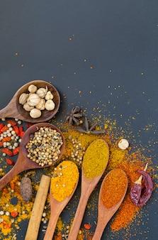 Specerijen en kruiden om te koken