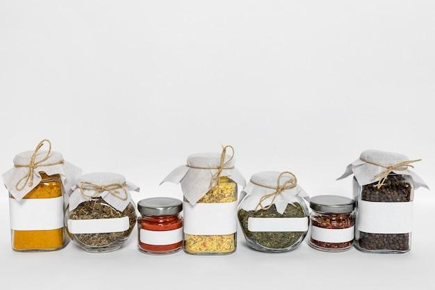 Specerijencontainers met kopie-ruimte