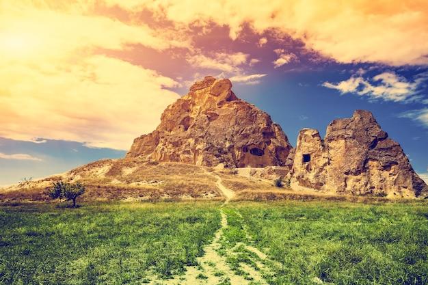 Spectaculaire rotsformaties in de buurt van goreme cappadocië, turkije