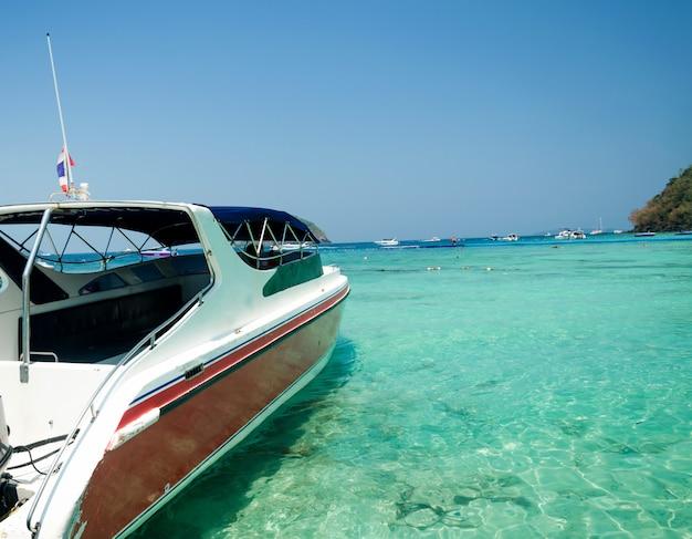 Speedboot en zee