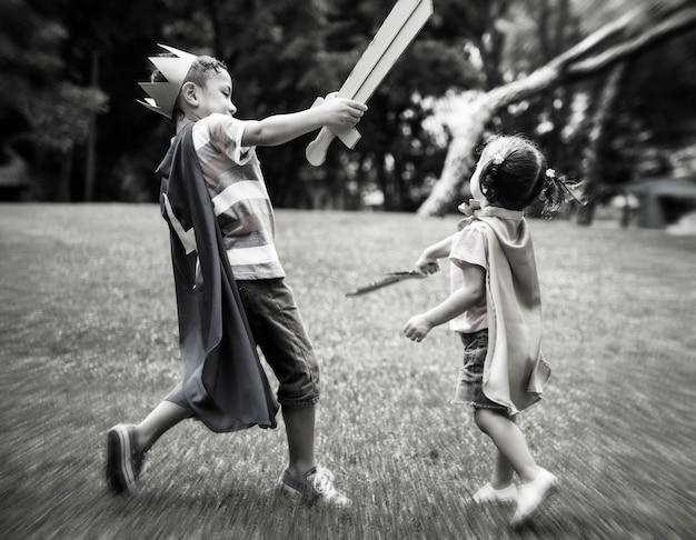 Speel strijdzwaard siblings concept
