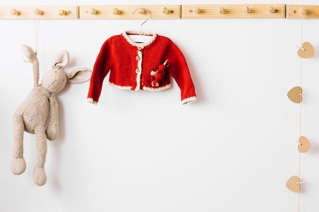 Speelgoed konijn en schattige jas