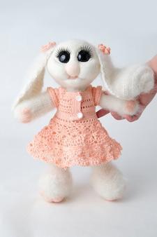 Speelgoedkonijn .. handgemaakt vilt