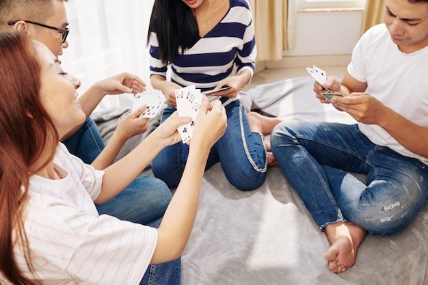 Speelkaarten met vrienden