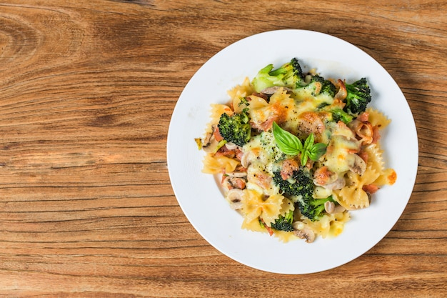 Spekspaghetti, champignons en pasta