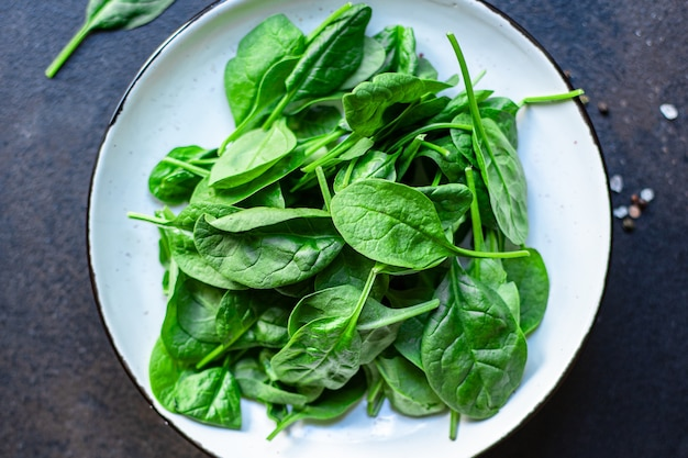 Spinazie groene sappige bladeren biologische salade