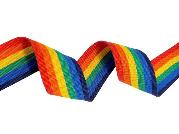 Spiraal regenboog strip lint horizontale stijl geïsoleerd op een witte achtergrond met kopie ruimte. lgbt-concept met trotskleuren en regenboogvlagstrook.