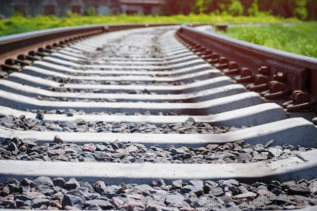 Spoorlijn afgaan in de verte