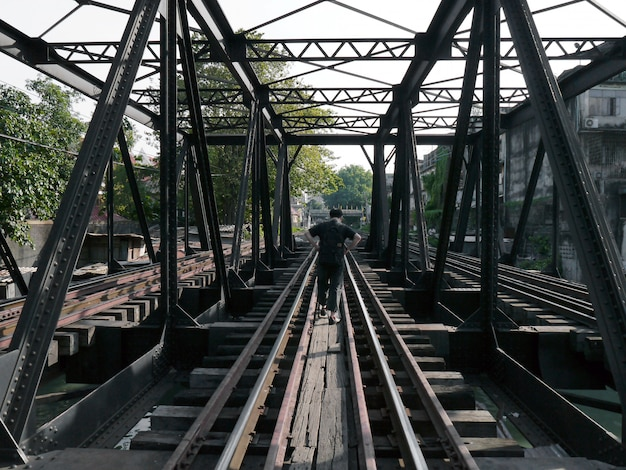 Spoorwegbrug in bangkok, thailand