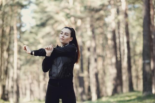 Sport buiten, meisje streching, meisje streching
