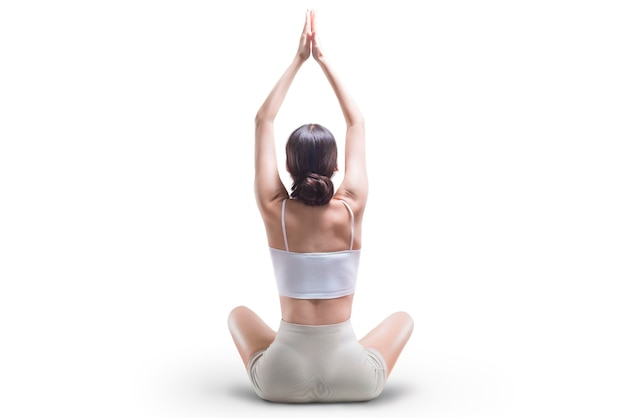 Sportieve jonge vrouw die yogapraktijken doet. achteraanzicht. geïsoleerd op een witte achtergrond. gemengde media