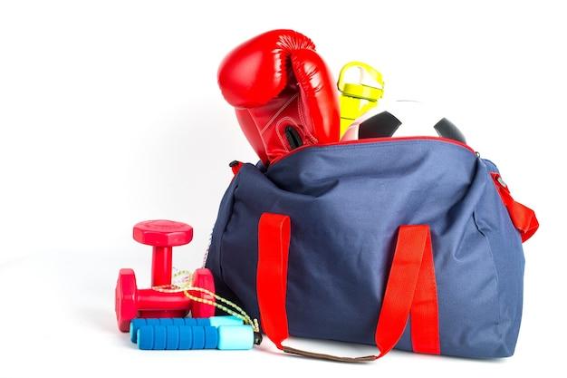 Sporttas voor het verpakken van je trainingsitem met witte achtergrond.