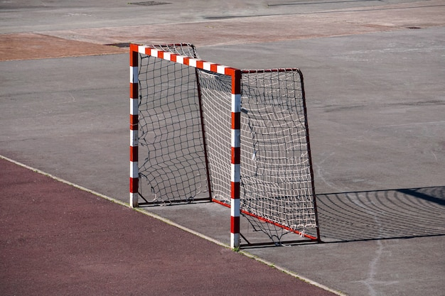 Sportuitrusting voor straatvoetbaldoelen op het veld