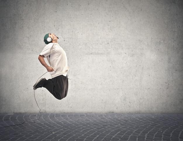 Springen voor de muziek