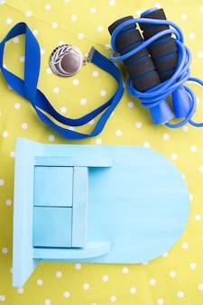 Springtouw met medaille en mini speelgoedkast