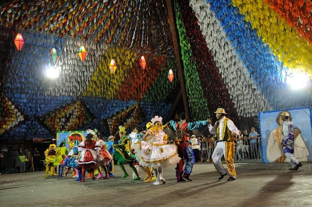 Square dance optreden op het feest van saint john campina grande paraiba brazilië op 8 juni 2009