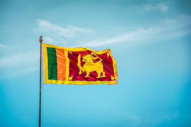 Sri lankaanse vlag zwaaien